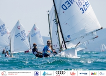 Ioannis-Christos Mouzakis (GRE) and Donna Mazzucchelli (ARG), new leaders in the 2017 Optimist European Championship